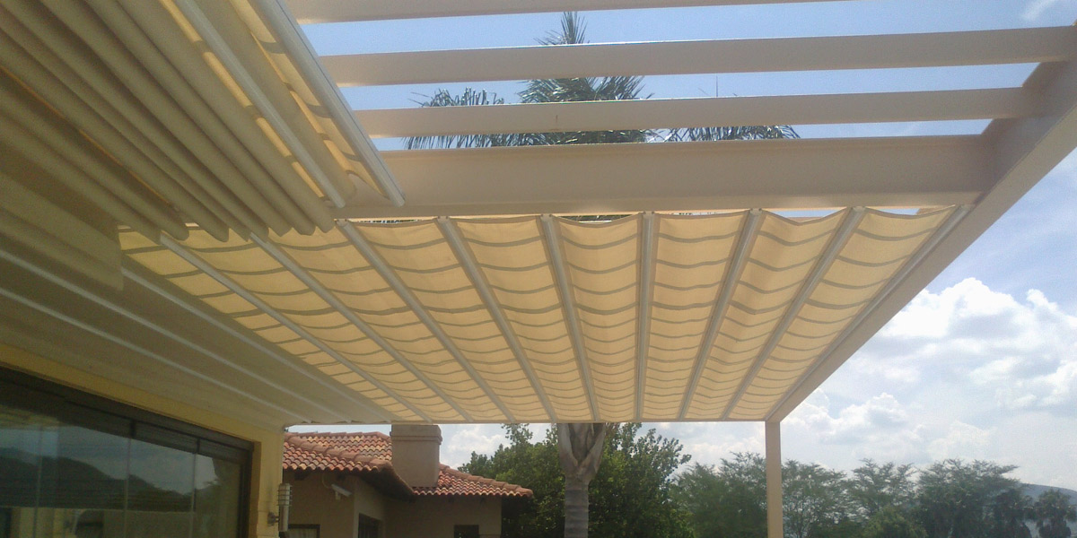 retractable-pergola-shade